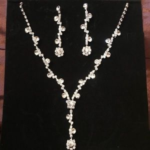 Jewelry - New Elegant Necklace Set - Back in Stock!!!
